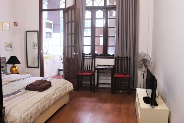 Anh Thu's h - Van Mieu : Cozy Studio # 202