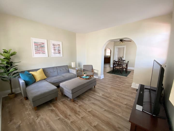 Come to the Cov | Apartment in Mainstrasse Village
