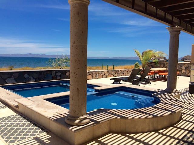 Casa Cortez: Private pools, golf cart, beach front