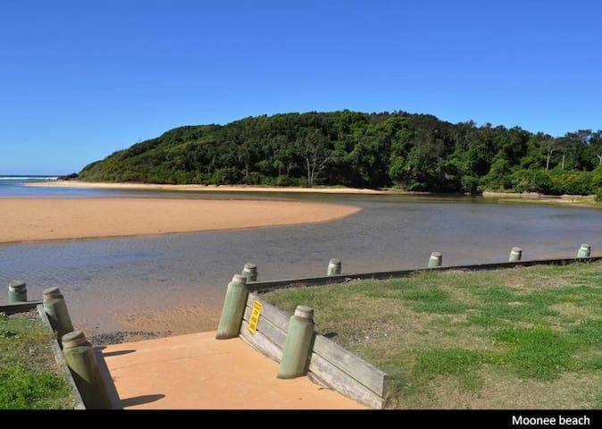 Moonee Habitat BnB - The Perfect Stopover - Moonee Beach