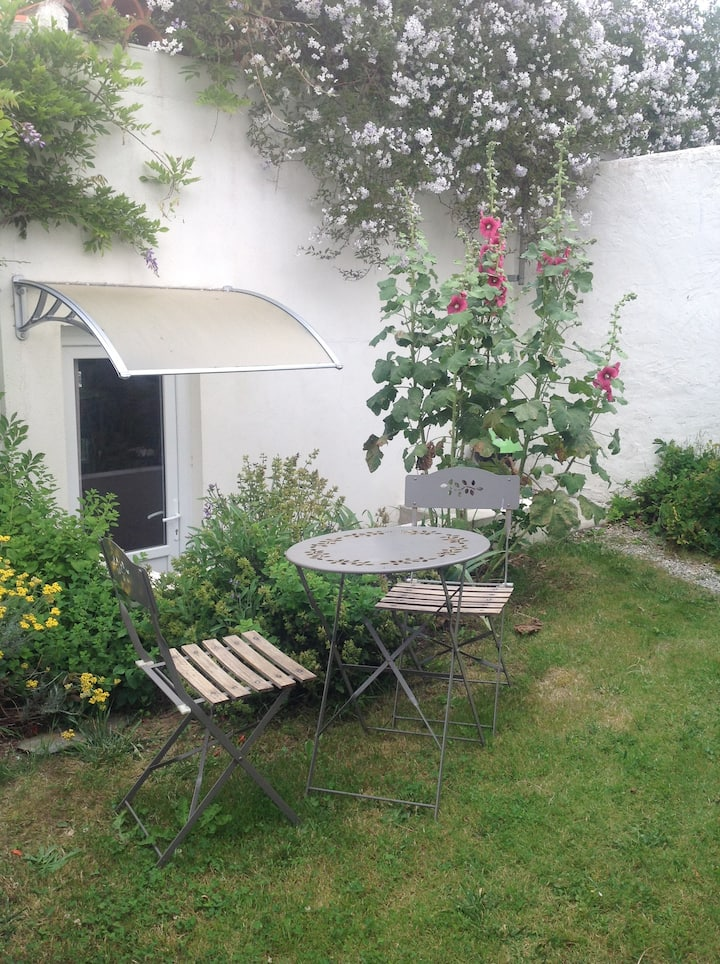 Charmant studio avec jardinet