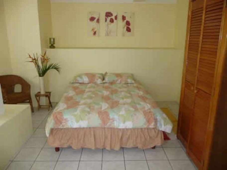 Garden Apartment Queen Size Bed