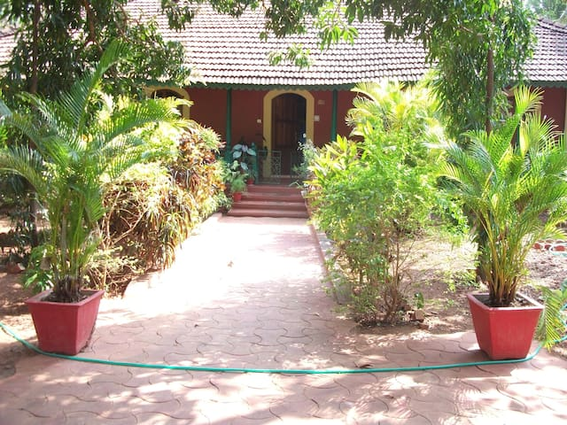 Typical Goan House - Verna - House