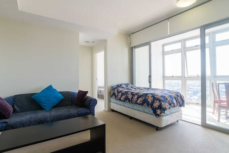 Sydney Burwood Top Floor Apartment - Burwood - アパート