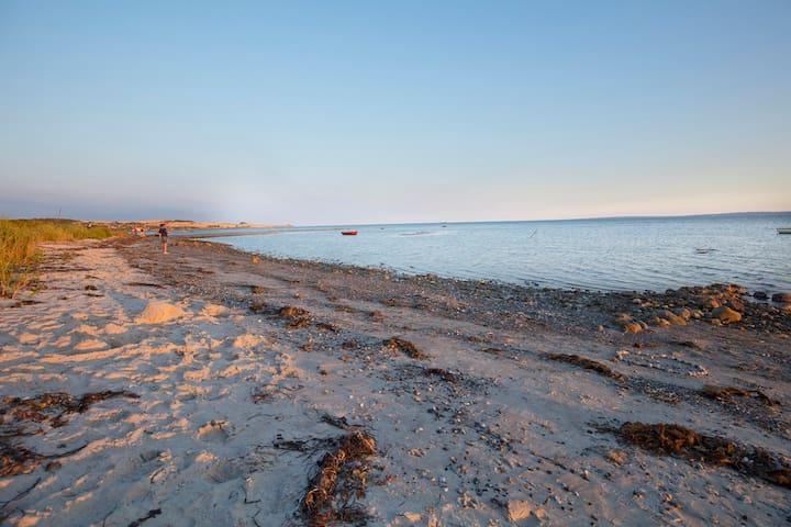 Børnevenlig strand, afstand 80 m.