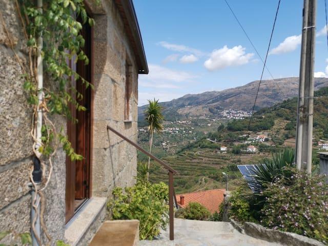 Casa da Eira - Castanheiras