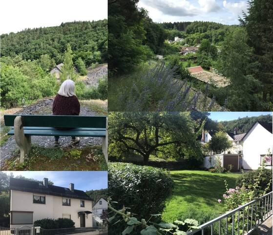 """Ein Tal, ein Dorf, ein Haus. """"Casa Siepelunga"""""""