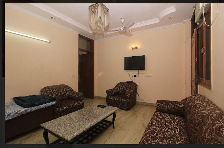 Spacious 2Bedroom apartment!!