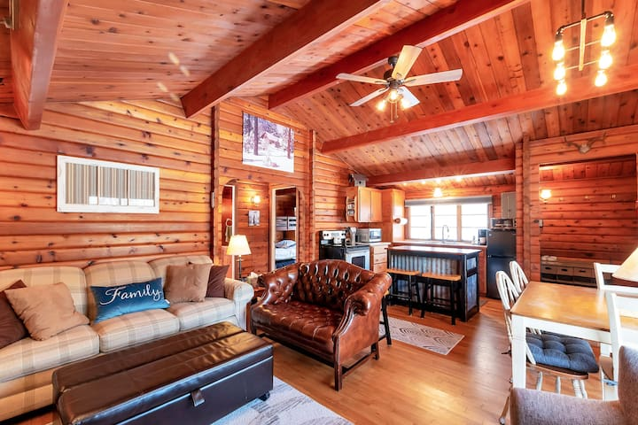 Charming and Comfy Cabin Getaway