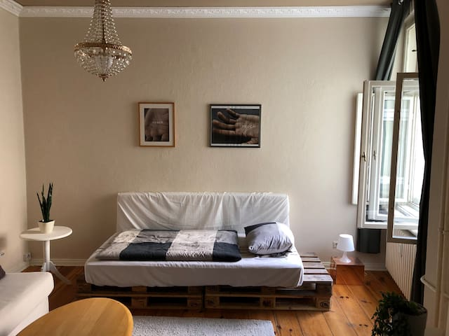 37sqm | Kreuzkoelln | available up to 12 months