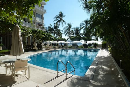 *Costera relaxing beach side condo