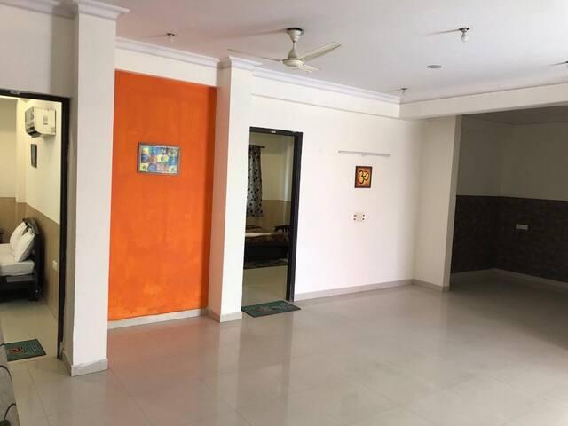 Stay & celebrate Terrace flat in Noida for 10 ppl