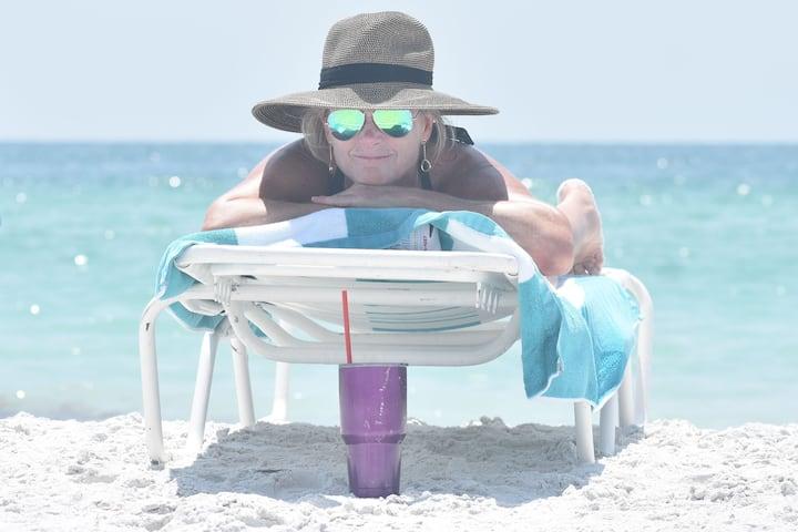 Luxury Beachfront Villas DIRECTLY on GULF! (BF)
