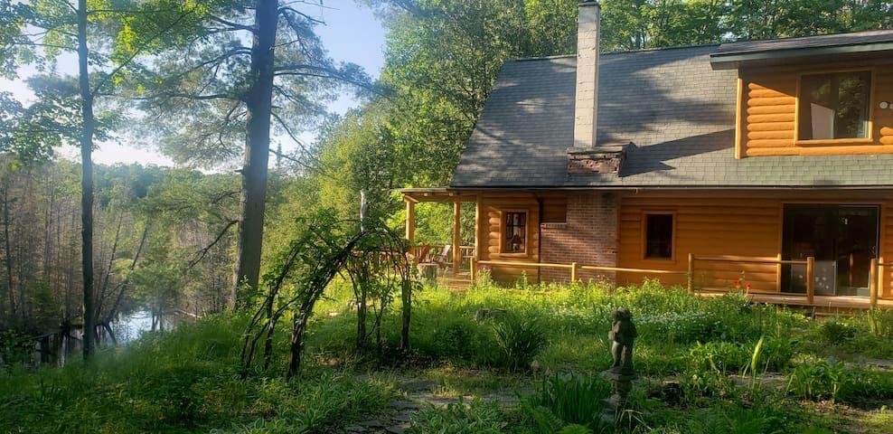 Sturgeon Valley Cabin