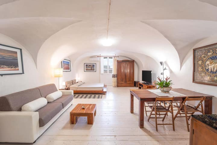 Loft Apartment 'Casa Gilbert 101' close to Beach with Wi-Fi; Pets Allowed upon Request