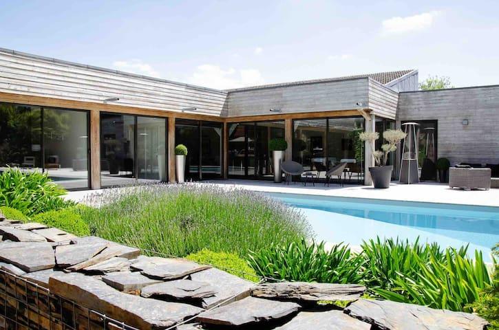 Pool house Bayeux