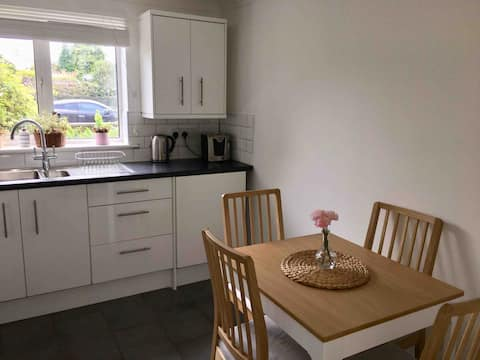 Modern 2 Bed Flat in the heart of Forest of Dean.