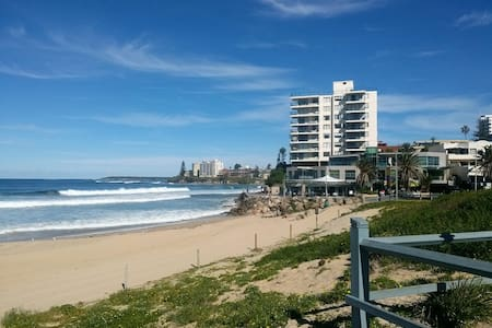 Sea, Surf and Stay - 1 bedroom beach pad - Cronulla