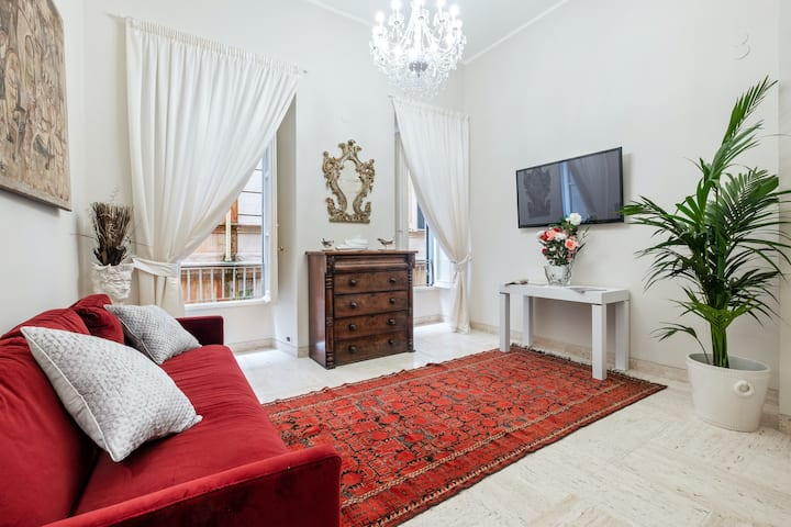 New listing! Bright & airy, family-friendly apartment in the heart of the city