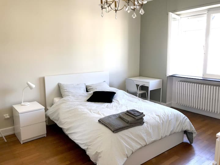 1.1 Private Double Bedroom - Luxembourg-Belair