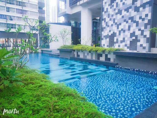 Luxurious 1 Bedroom condo, Novena MRT (D3)
