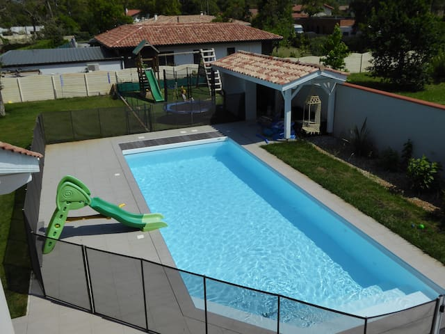 house with swimming pool , breach 500m away - Labenne - Villa