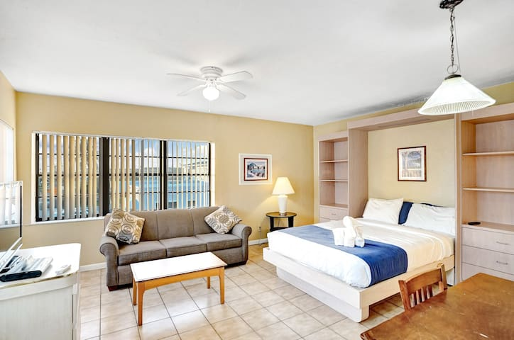 Junior Suite Apartment With Heated Pool Category