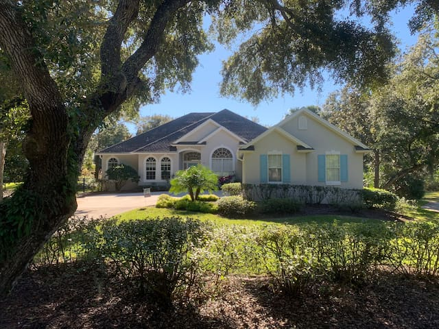 Beachside home w/private access & huge fenced yard