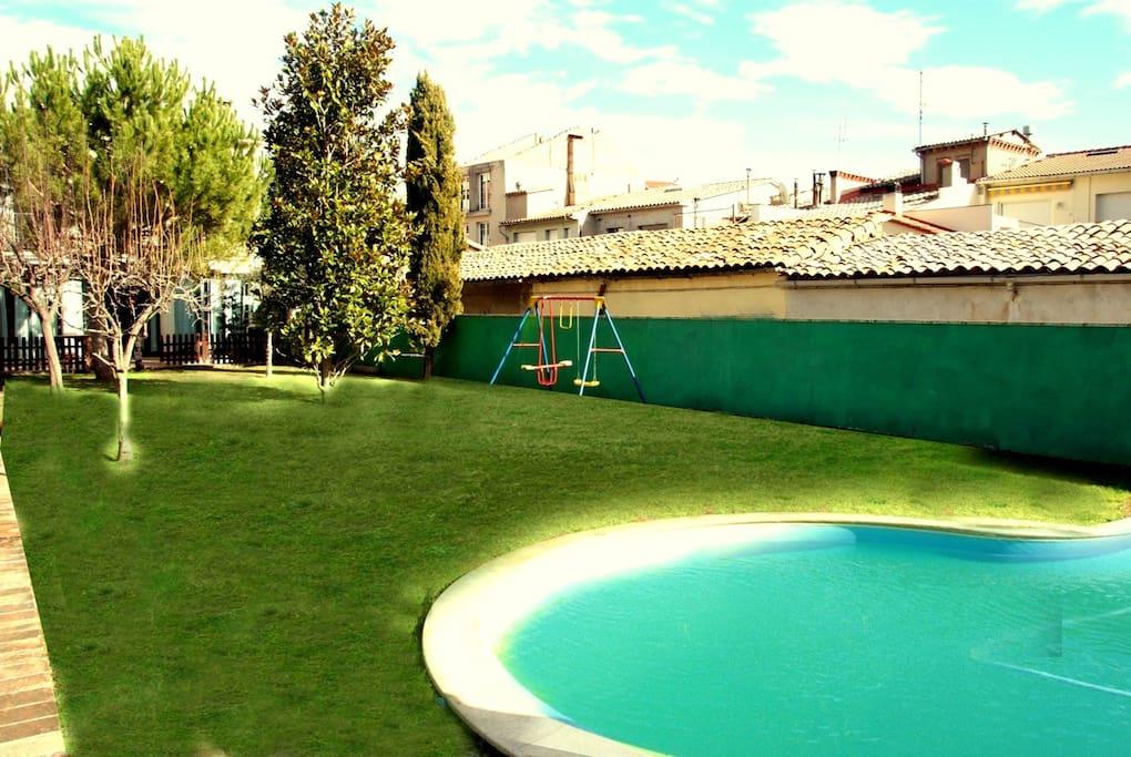 Escapade agr able de 4 chambres berga avec une piscine for Location villa espagne avec piscine privee pas cher