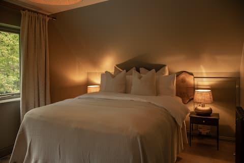 Beautiful Luxury Surrey Hills Property