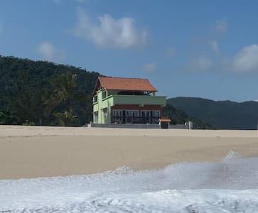 Beautiful Ocean Front Villa