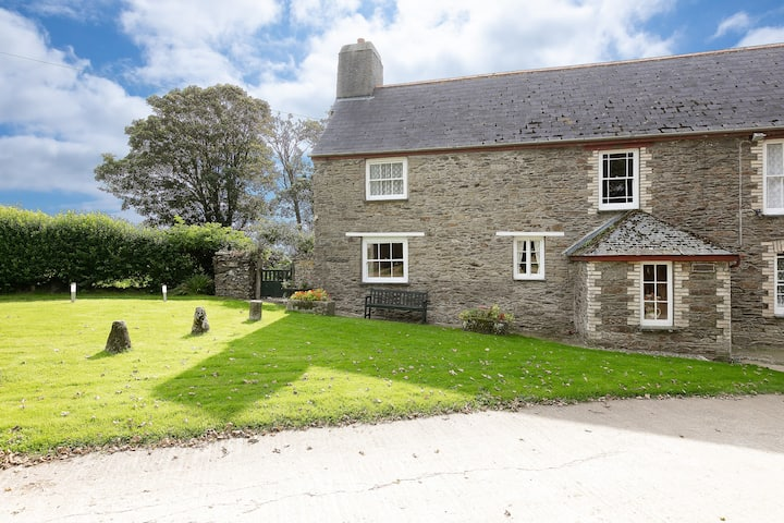 Cosy cottage for 2 on Cornish farm