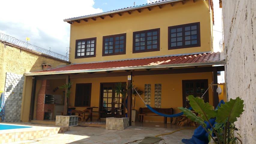Casa nova c/ Piscina Aquecida & Ar Condicionado
