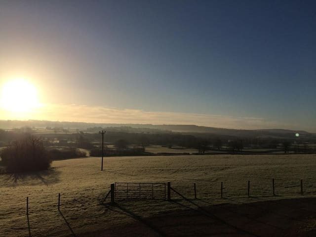 Lower Keats Glamping Safari Lodge 4 Sleeps 6 - Axminster - Stan