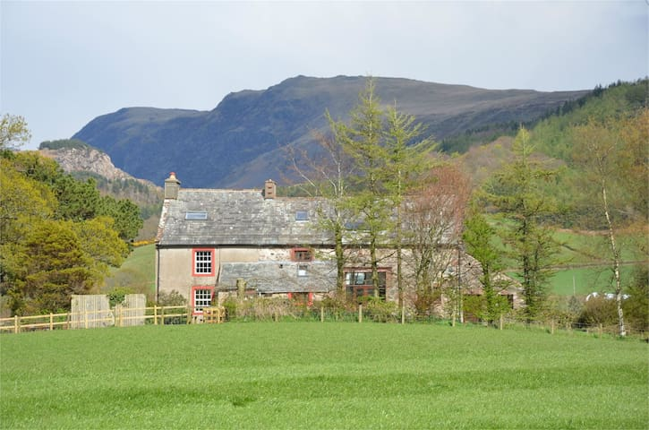 Large Traditional Farmhouse, Wasdale - Santon Bridge - Huis