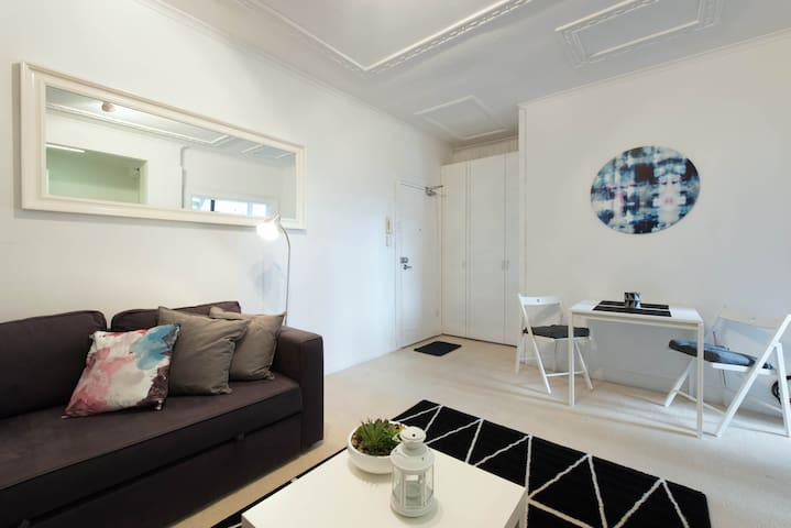 Charming Apartment in Great Locale - Sydney, New South Wales, AU - Lägenhet
