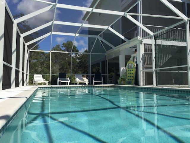 Lemon Bay Luxury 5 BR Villa with Pool&Tennis Court ...