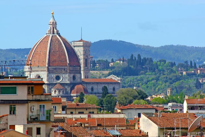 TERRACE with a VIEW... FLORENCE is ALL AROUND YOU!