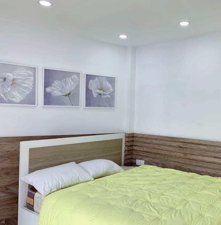 Phòng Riêng với ban công và phòng tắm riêng R07