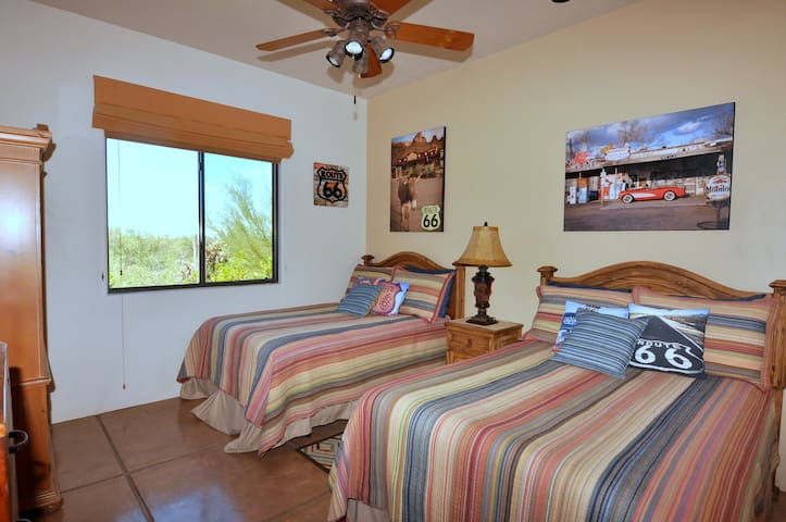 'Route 66' Bedroom w/ 2 Doubles shares adjoining bath with 'Tahoe' King bedroom