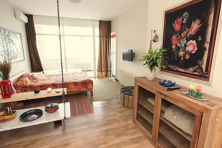29. Beautifull studio at the city center - Almaty