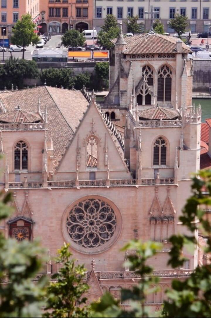 Saint-Jean et son horloge astronomique