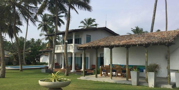 Beach Villa Sanasuma
