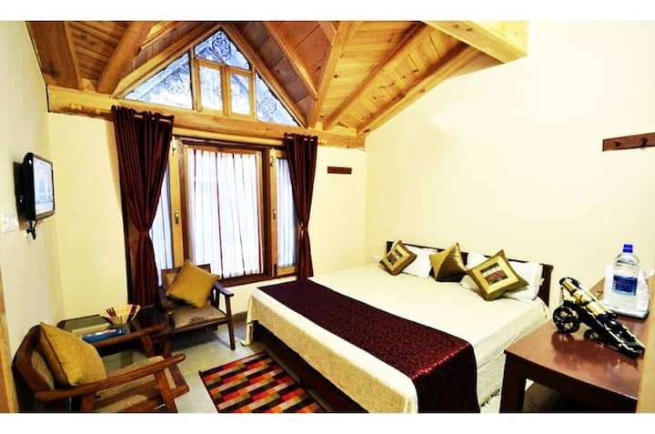 Luxury wooden Nainital lake view room