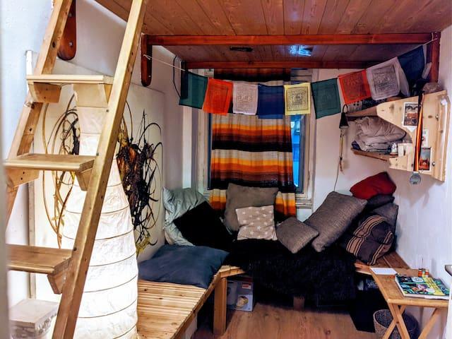 Cosy room in bohemian flat | Best in Kreuzberg