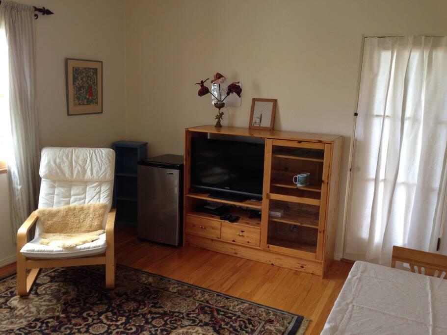 Sitting rm/Bedrm 2 mini fridge, TV w/chromecast