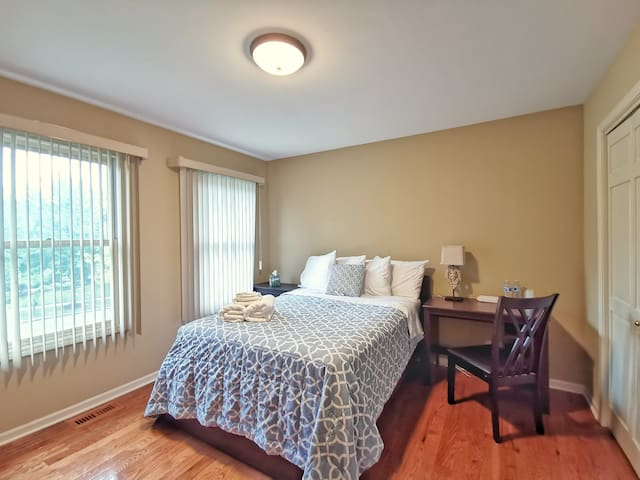 Naperville - Private Room with Full Bed (East)