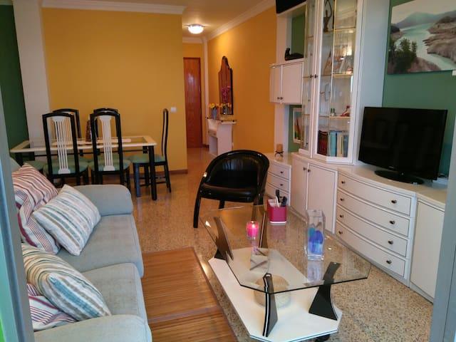 HOUSE IN QUIET AREA AND EASY ACCESS - Las Palmas de Gran Canaria - House