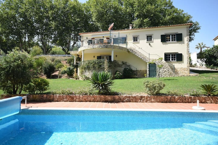 Nice villa with pool, large garden and beautiful views of the surroundings