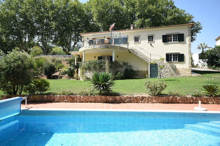 Cozy Villa near Óbidos with Private Swimming Pool